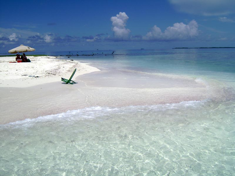 Romantic getaway in one of the islands in Los Roques