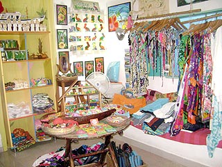 Los Roques - souvenir and gift stores - Marta's small shop